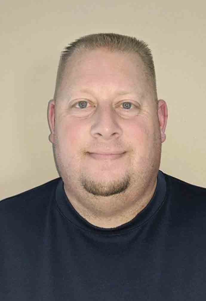Troy AndersonSW Rec Department names new directorThe South Winneshiek Recreation Department announced last week that it has hired Troy Anderson as its new director.Anderson was born and raised in Calmar and graduated from South Winneshiek in 1995. He went on to...